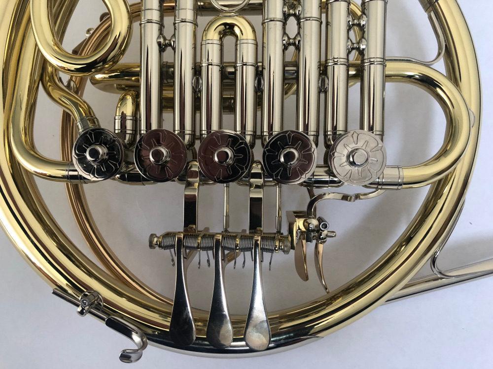 B-Horn 5 Ventile Ausschnitt2