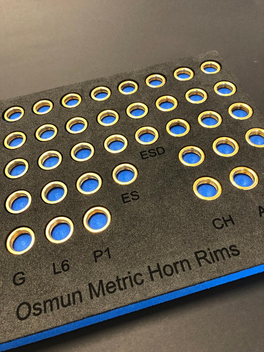Osmun mouthpiece board with rimsOsmun Mundstückauswahl , es gibt 9 verschiedene Randformen
